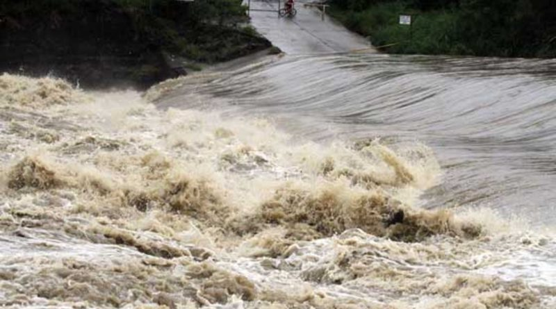 PHILIPPINEN MAGAZIN - NACHRICHTEN - Sturzfluten und Überschwemmungen in der Bicol Region und auf Negros
