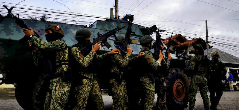 PHILIPPINEN MAGAZIN - NACHRICHTEN - 13 Tote bei Haftbefehlvollstreckung