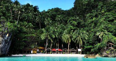 PHILIPPINEN MAGAZIN - MEIN MITTWOCHSTHEMA - STRÄNDE NICHT BORACAY - Bitaog Beach auf Dinagat