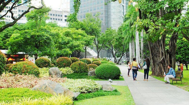 PHILIPPINEN MAGAZIN - MEIN SAMSTAGSTHEMA - TOP TOURISTENSPOTS IN LUZON - Ayala Triangle Gardens