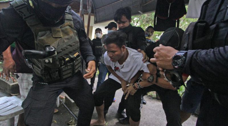PHILIPPINEN MAGAZIN - NACHRICHTEN - Lumad-Kinder aus den Klauen der Kommunisten befreit