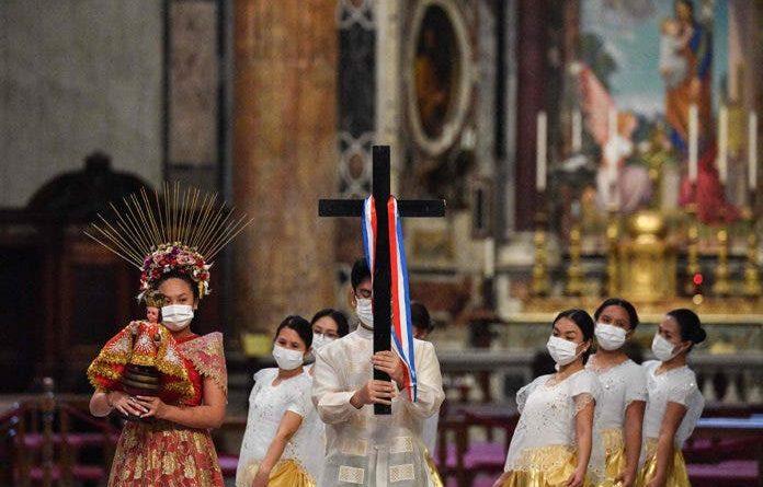 PHILIPPINEN MAGAZIN - NACHRICHTEN - Papstmesse zur 500-Jahresfeier der Christianisierung der Philippinen