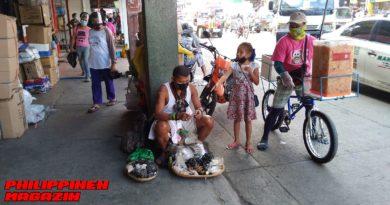 PHILIPPINEN MAGAZIN - FOTO DES TAGES - UNTERWEGS IN DER STADT: Naturmedizin-Verkäufer Foto von Sir Dieter Sokoll für PHILIPPINEN MAGAZIN