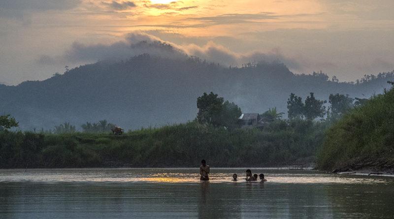 PHILIPPINEN MAGAZIN - BLOG - Fahrt auf dem Agusan-Fluss auf einem Bambusfloß für drei Tage