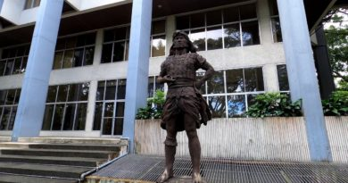 PHILIPPINEN MAGAZIN - VIDEOSAMMLUNG - Diliman – University of the Philippines Diliman Academic Oval