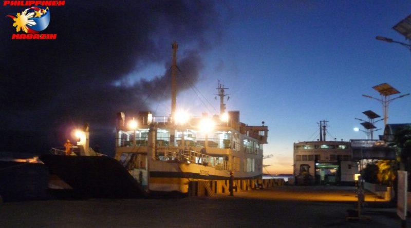 PHILIPPINEN MAGAZIN - FOTO DES TAGES - Frühmorgens im Fährhafen Foto von Sir Dieter Sokoll für PHILIPPINEN MAGAZIN