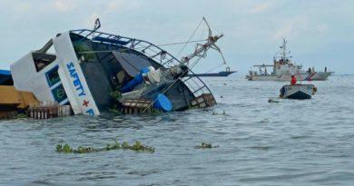 PHILIPPINEN MAGAZIN - NACHRICHTEN - 2 Schiffe kollidieren am Ankerplatz in Manila