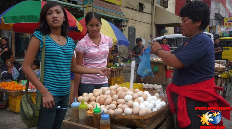 PHILIPPINEN MAGAZIN - FOTO DES TAGES - Balut und die Mädels Foto von Sir Dieter Sokoll