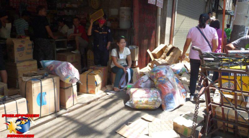 PHILIPPINEN MAGAZIN - FOTO DES TAGES - Einkauf für den Sari-Sari-Store Foto von Sir Dieter Sokoll
