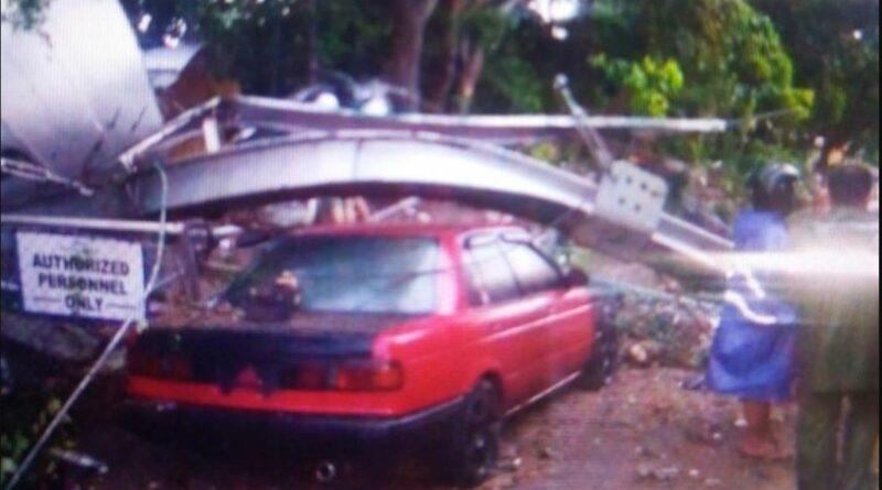 PHILIPPINEN MAGAZIN - NACHRICHTEN - Zwei ältere Bewohner verletzt, als Wassertank in Caloocan zusammenbricht
