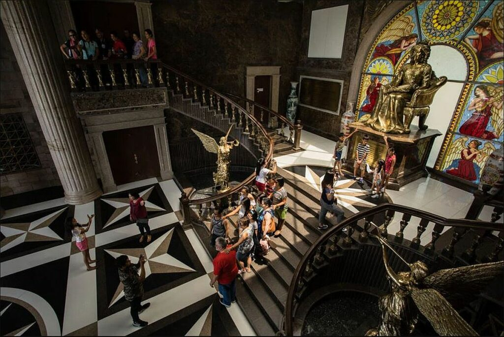 PHILIPPINEN MAGAZIN - TAGESTHEMA - Temple of Leah  Foto von Sir Dieter Sokoll