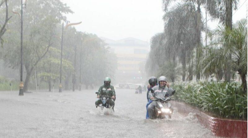 PHILIPPINEN MAGAZIN - Überschwemmungen spült Dorfbrücke weg