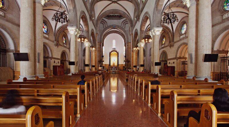 PHILIPPINEN MAGAZIN - TAGESTHEMA - Wie die Kathedrale von Manila sieben Tragödien überlebte
