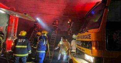 PHILIPPINEN MAGAZIN - NACHRICHTEN - Spenden erbeten, da das Feuer in Bacolod Schulmaterial und Ausrüstung vernichtet hat