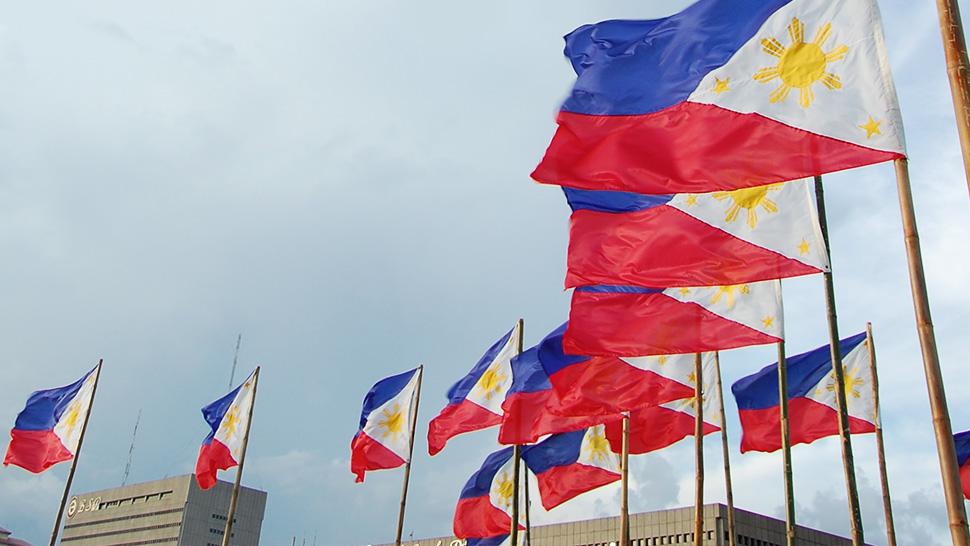 PHILIPPINEN MAGAZIN - TAGESTHEMA - Symbolik und Bedeutung der philippinische Flagge