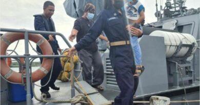 PHILIPPINEN MAGAZIN - NACHRICHTEN - Marine rettet 13 Menschen vor Tawi-Tawi