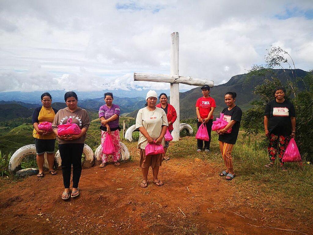 PHILIPPINEN MAGAZIN - TAGESTHEMA - Die Tagoloanen-Weberinnen von Bukidnon
