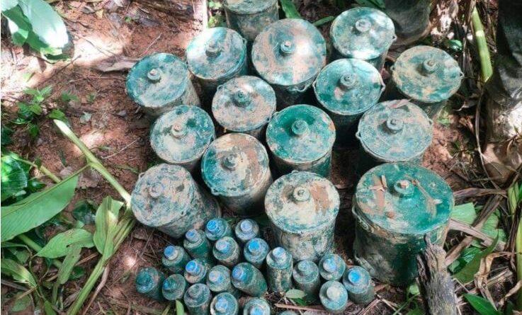 PHILIPPINEN MAGAZIN - NACHRICHTEN - Über 30 Minen und Hunderte von der NPA zurückgelassene Munition in Quezon gefunden